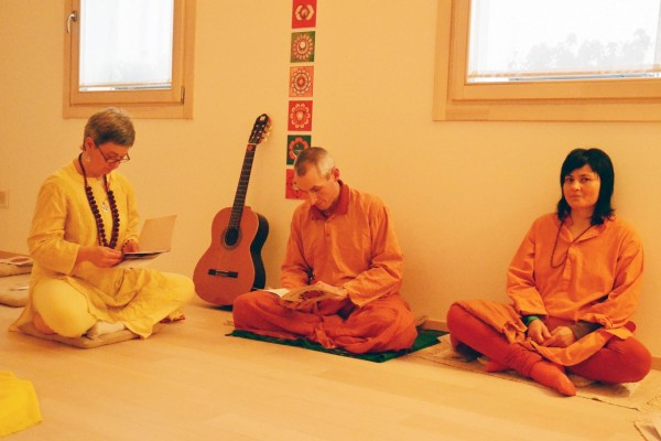 guru bhakti Bhakti is the yoga of a personal relationship with god, says musician jai uttal,  who learned the art of devotion from his guru, the late neem.