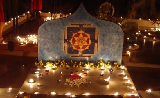Non c'è rumore nel mondo. Non c'è pace sull'Himalaya! Entrambi sono dentro di te! Swami Satyananda Saraswati